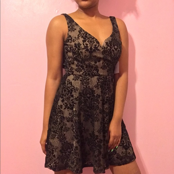 819804ecd26bc Charlotte Russe Dresses | Black Gold Floral Glitter Dress | Poshmark